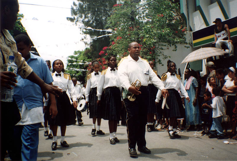 Roatan2000: Independance Day Band Leader