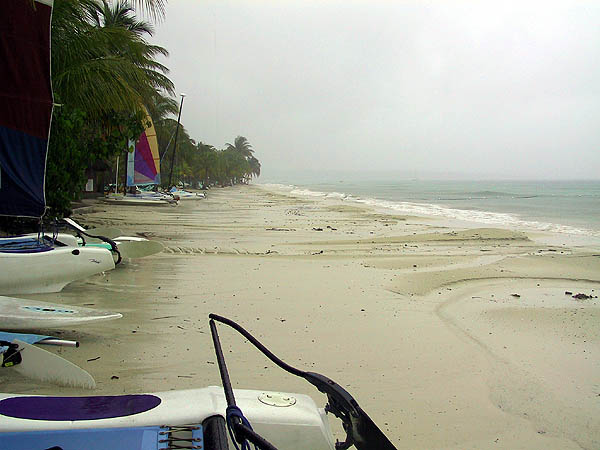 Jamaica 2002: Rainy Beach