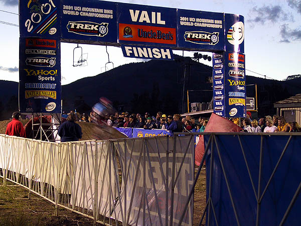 MTB Worlds 2001: Finish Line Blur Again