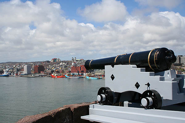 Newfoundland 2005: Cannon and St. Johns 02