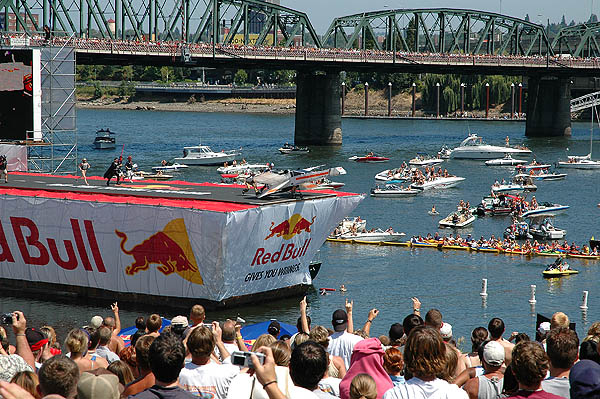 Red Bull Flugtag 2004: X-Wing Going 01