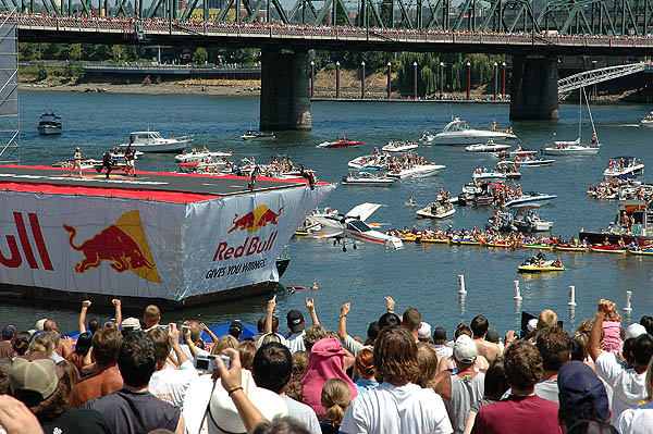 Red Bull Flugtag 2004: X-Wing Going 04