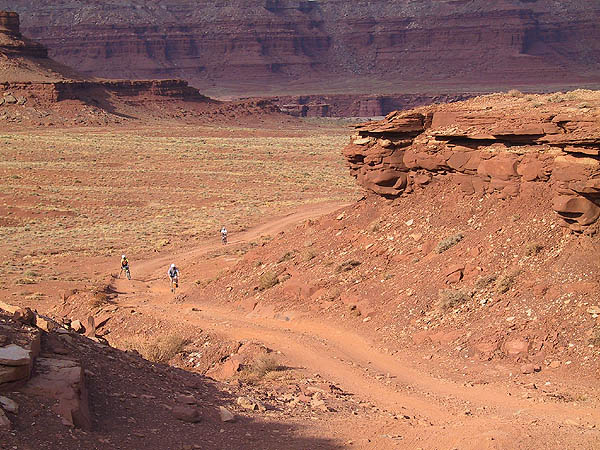 White Rim 2001: Day 1: Sandy Desert Climb